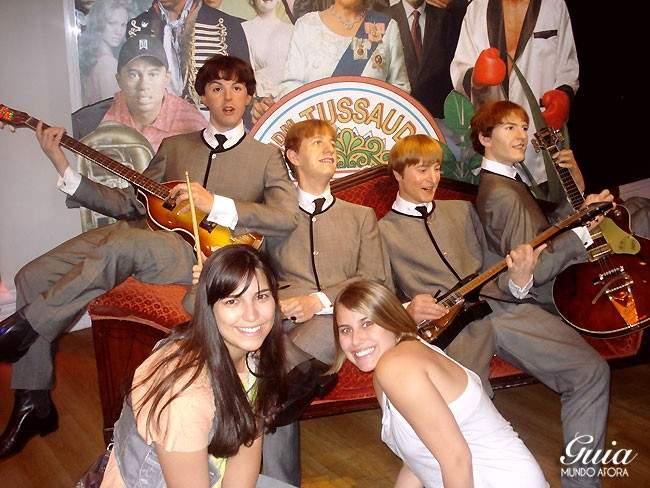 Foto clássica com os Beatles, Madame Tussauds, 2010.