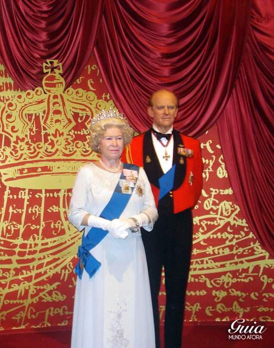 A rainha, no museu de cera da Madame Tussauds