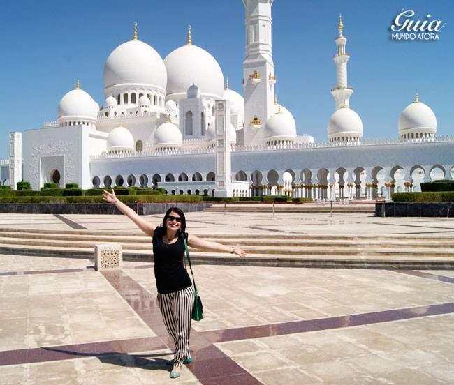 Roupa na Mesquita de Abu Dhabi
