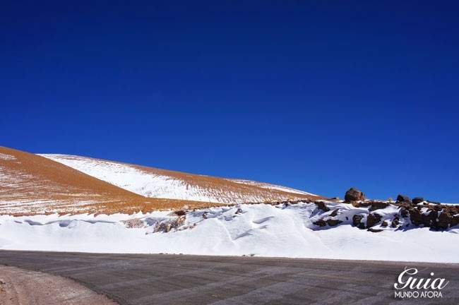 Neve no deserto do Atacama