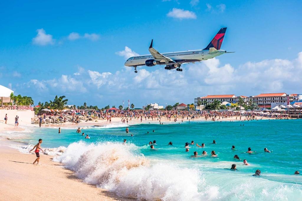 praia dos aviões st maarten maho beach