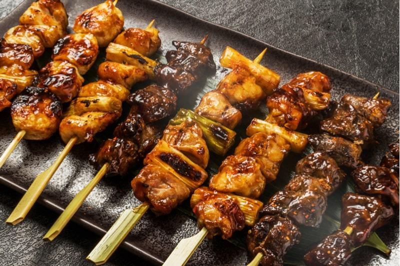 yakitori comidas japonesas