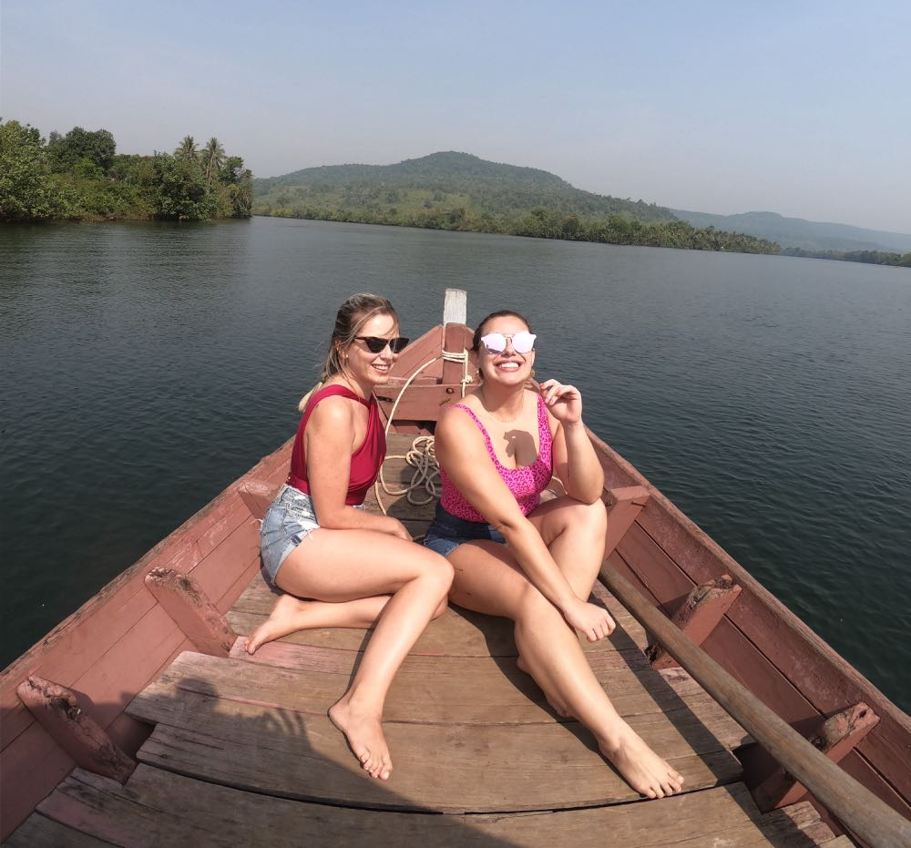 barco no rio Tatai cachoeira 4 Rivers Floating Lodge